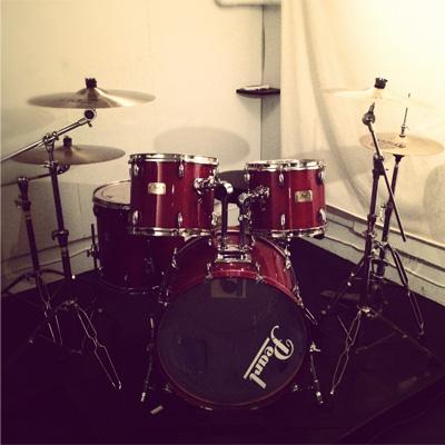 PEARL Drum Set